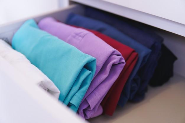 Tips Memadukan Warna Pakaian yang Menarik